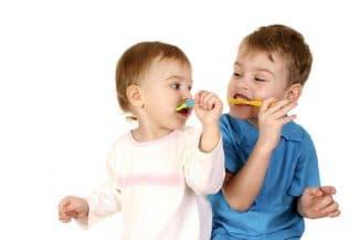 коньюктивит глаз лечение у детей, красные пятна, синяки под глазами у ребенка, гноится глаз у ребенка, аллергия на коже красные пятна чешутся лечение, у ребенка красные глаза, красные шелушащиеся пятна на лице, слезится глаз у ребенка, ячмень на глазу у ребенка,