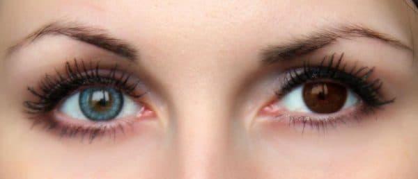 карие глаза до и после примерки зеленых линз