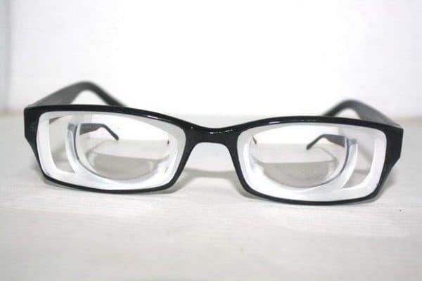 Так выглядят очки с цилиндрическими линзами
