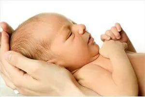 Как проверить у новорожденного зрение