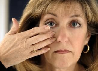 сколько можно носить однодневные контактные линзы, сколько можно носить линзы на месяц, со скольки лет можно носить линзы, как носить линзы для глаз, можно ли носить однодневные линзы несколько дней, можно ли носить цветные линзы, как носить цветные линзы