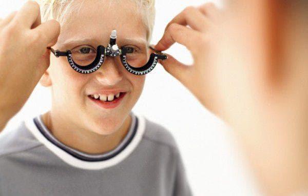 Дальнозоркость у детей 1 года: корректируется, операция, упражнения для улучшения зрения, близорукость, астигматизм, очки, зарядка, как восстановить