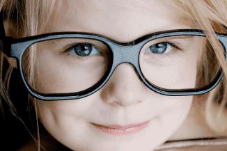 нужно ли ребенку носить очки
